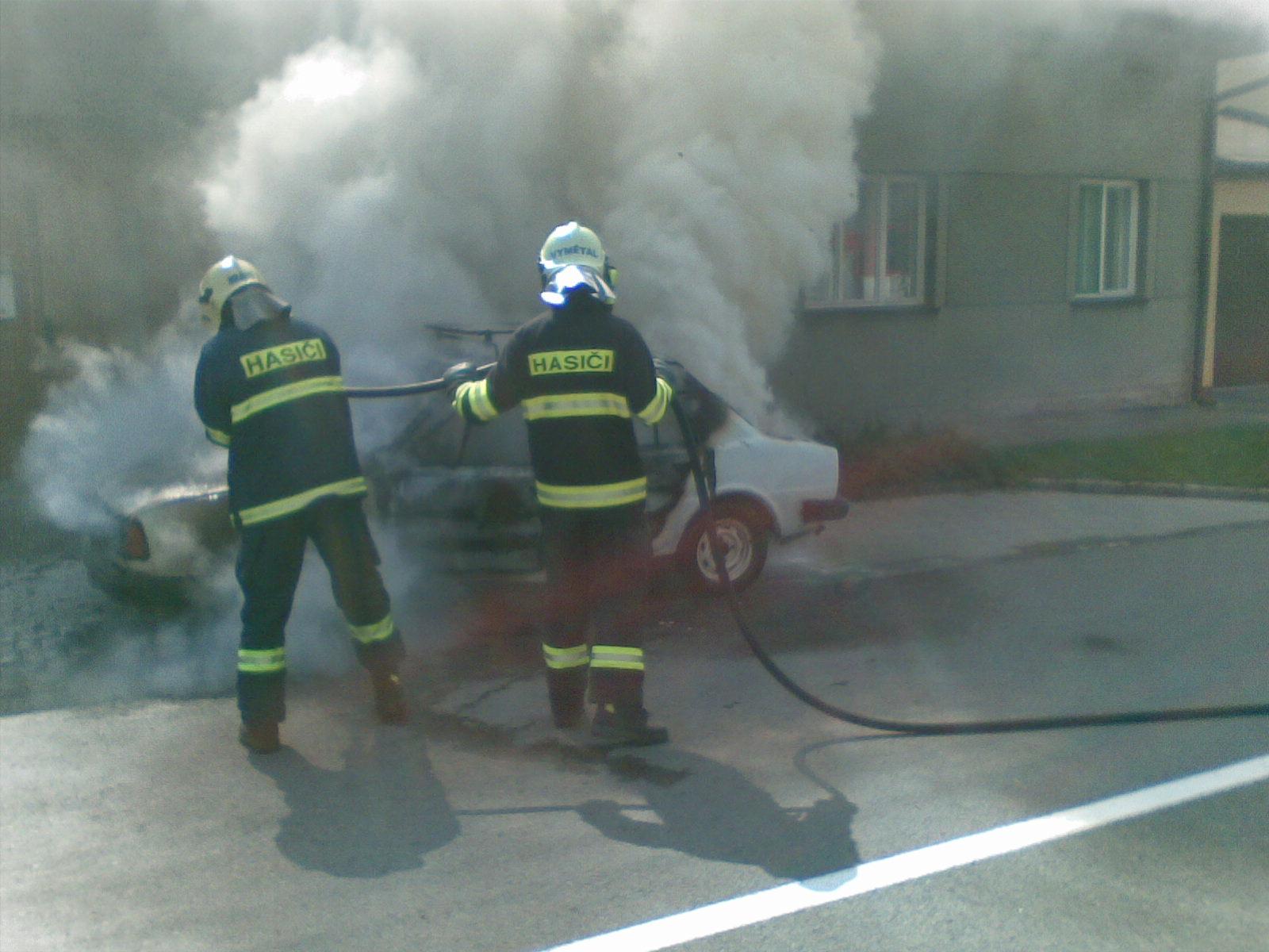 2009-09-01-požár auta Týnecká Grygov-02