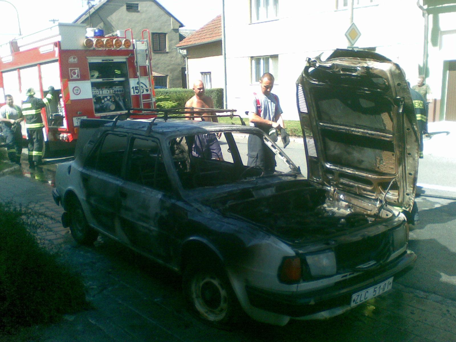 2009-09-01-požár auta Týnecká Grygov-04